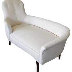 Tufted Settee 10